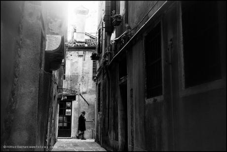 Durch enge Gassen - Venedig 2012