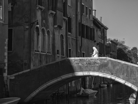 35  Frühmorgens unterwegs  -  Venedig Copyright byWilfried Gebhard